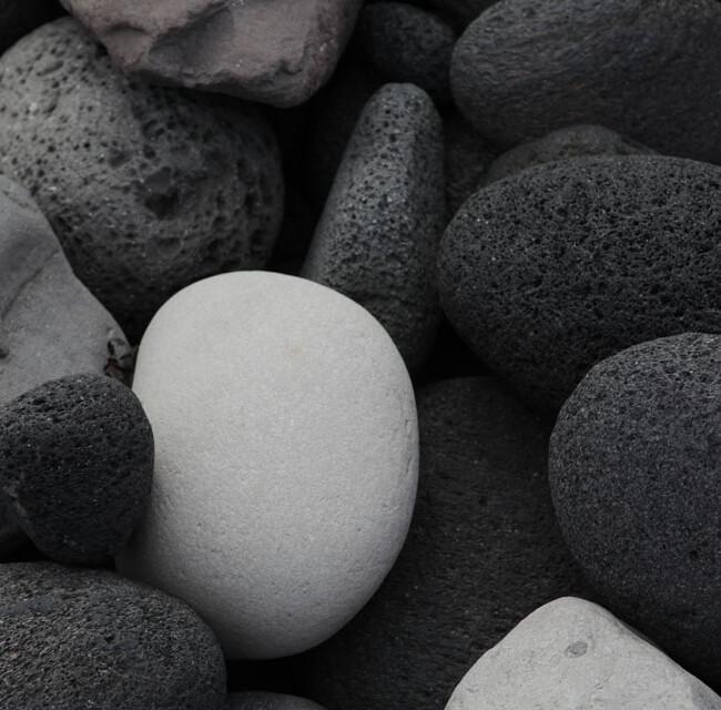 Ei aus Stein