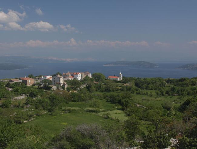 Dorf auf der Insel Cres