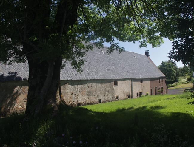 Typischer Hof in der Auvergne